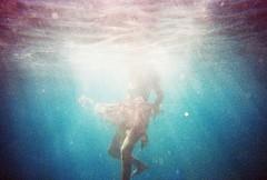 (Emir Ozsahin) Tags: color film analog canon 1 underwater prima