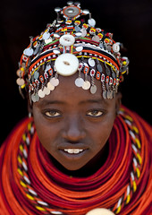 Rendille girl with pendants on her beaded headdress - Kenya (Eric Lafforgue) Tags: africa portrait people face beads kenya african culture tribal human tribes bead afrika tradition tribe ethnic kenia tribo gens visage headdress afrique headwear ethnology headgear tribu eastafrica rift beadednecklace coiffe qunia 6073 lafforgue ethnie  qunia    beadsnecklace kea   africa east  humainpersonne a