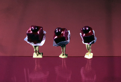 laurie simmons three red petit-fours