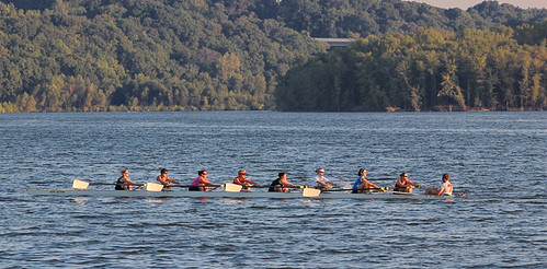 Creve Coeur Lake, in Maryland Heights, Missouri, USA - rowers 3