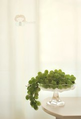 Grapelicious (zuzana_nz) Tags: stilllife green backlight 50mm beige naturallight explore simplicity grape ecru grapelicious