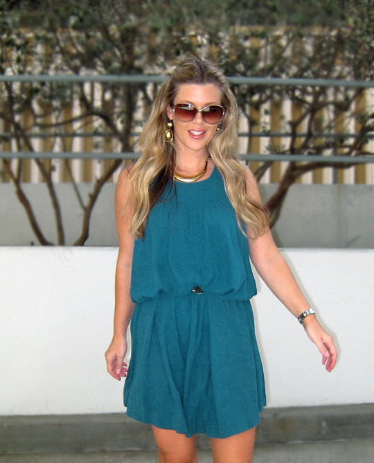 teal-dress-gold-accessories-4