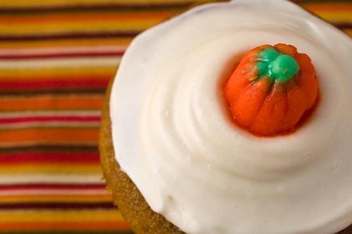 pumpkin-spice-cupcake