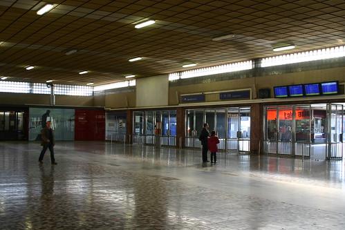 Südbahnhof (acceso a las vías)