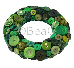 Button Wreath (Knopenkrans) (Made by BeaG) Tags: christmas green circle design holidays groen belgium recycled handmade buttons unique belgi wreath round recycle krans homedecor reuse cirkel reclaim christmaswreath rond repurpose knopen doordecoration homedecoration beag vintagebuttons doordecor knoopjes indiedesigner buttonart recycleren buttonwreath indieartist recycledbuttons designedandmadebybeag ontworpenengemaaktdoorbeag craftingwithbuttons knutselenmetknopen knopenhergebruiken vintageknopen knopenkrans hergebruiken designerwreath designerwreaths