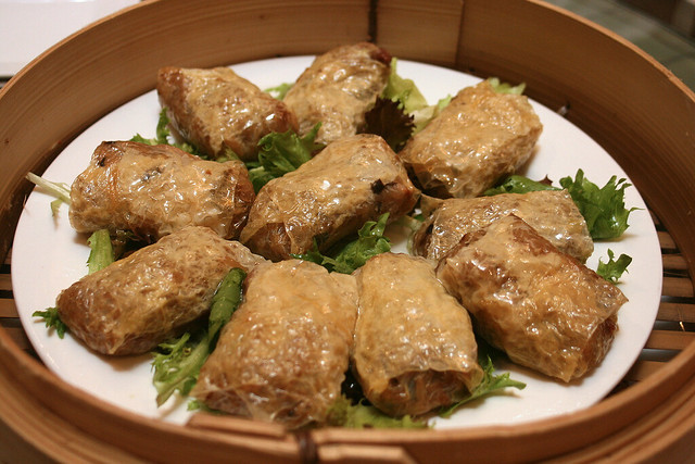 Glutinous Rice in Beancurd Wrap