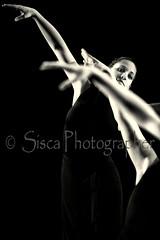Dance (Siscafoto) Tags: life portrait love blancoynegro canon blackwhite eyes women retrato danza details emotions ritratto detalles biancoenero theface emozioni bellissima bwemotions particolarmente ritrattidiof espressionidellanima byfotosiscaallrightsreserved siscaphotographer