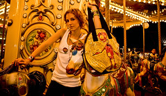 robot elctrico (lascosasdehule) Tags: de robot venezuela cosas caracas and bolsos carteras nicol hule brazaletes zarcillos acaros engberts