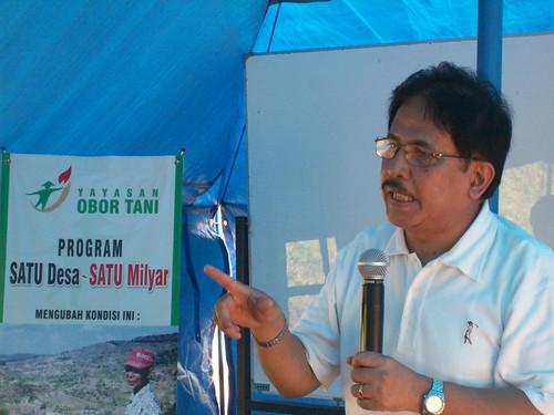 Meneg Sofyan Djalil Salurkan CSR melalui Yayasan Obor Tani