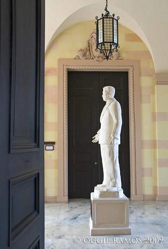 malacanang museum hallway magsaysay statue
