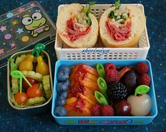 Banh Mi bento (sherimiya ) Tags: school cute fruits lunch salad kid yummy basket tomatoes sandwich pork peas peaches bento bittermelon lychee banhmi obento keroppi sherimiya