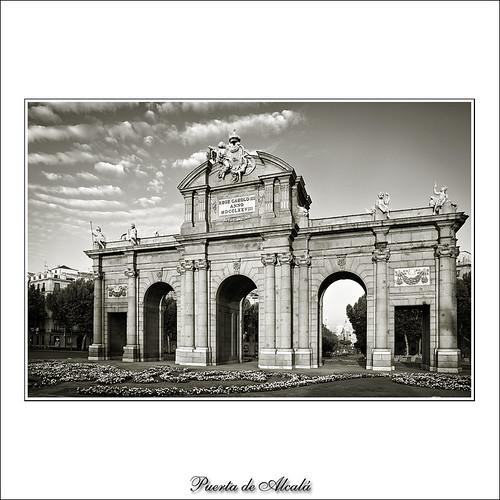Puerta de Alcala (Madrid)