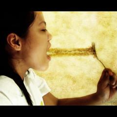 Week 17/52: The Belly Rules the Mind (vwynx) Tags: selfportrait texture girl eating fork noodle ff gluttony adik pancit brinks 7deadlysins capitalsin filipinaflickrites sabrinaalo vwynx brinksalo