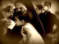 iran - Shiraz - maggio 2009 (anton.it) Tags: trip people faces iran muslim digitale hijab persia iranian ritratti viaggio volti golddragon platinumheartaward iranianspeople iraniansfaces theauthorsplaza antonit