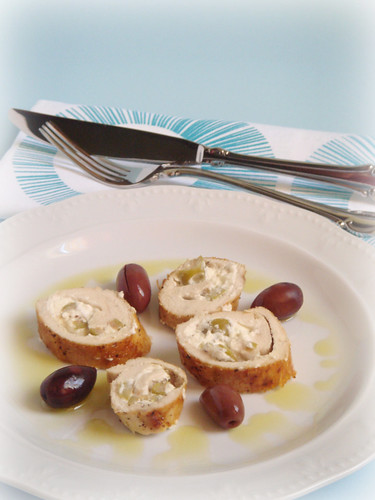 Chicken rolls with feta and olives