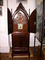 Radio Prie-Dieu pour écouter (religieusement) Radio Vatican (Geher) Tags: france radio de son musée sound museums orgues yonne enregistrement barbarie cylindres tournedisques stfargeau limonaires magnétophones