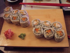 Tono Spicy Scallop and Spicy Shrimp Crunch Roll (Manhattan Roll)
