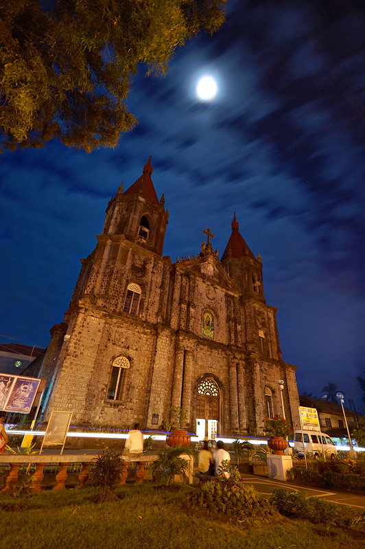 Molo Church at Night