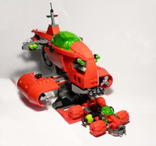 8075 - Neptune Carrier - 2010 LEGO Atlantis - Rover Deploy