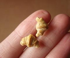 Miniature Food Croissants Studs (PetitPlat - Stephanie Kilgast) Tags: miniatures miniature handmade jewelry polymerclay fimo bakery croissant earrings 112 dollhouse croissants miniaturefood oneinchscale petitplat stephaniekilgast