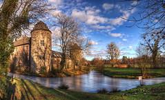 Wasserburg Haus zum Haus (rawshooter72) Tags: castle haus hdr wasserburg hdri ratingen zum photomatix tonemapped 2ev