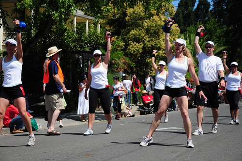 The Kettlebell Class at Sonoma Gym. Good thing the parade only went around the Square. Those weights must have been heavy.