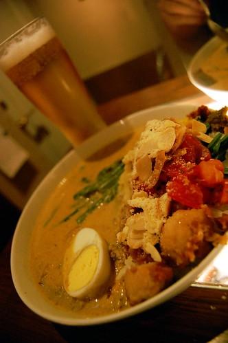 shinagawa_shanti_curry.jpg北品川シャンティカレーの全部盛り的なアレ。