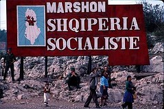 Marshon Shqipria socialiste, 1981. Socialist Albania is walking on, 1981. L'Albanie socialiste avance, 1981. La Albania socialista progresa, 1981. (Only Tradition) Tags: al propaganda agitprop albania slogan slogans propagande albanien shqiperi shqiperia albanija albanie shqip shqipri ppsh shqipria shqipe arnavutluk hcpa albani parulla   gjuha   rpsh  rpssh   propagand parull     albnija