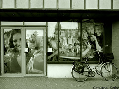 "Amsterdam : ""reflets urbains"" - "" Urban reflections "" 3 (Corinne DEFER - DoubleCo) Tags: street blackandwhite bw reflection blancoynegro smile amsterdam contrast reflections noiretblanc nb reflet cycle contraste rue sourire velo colorisation urbanreflections refletsurbains corinnedefer updatecollection"