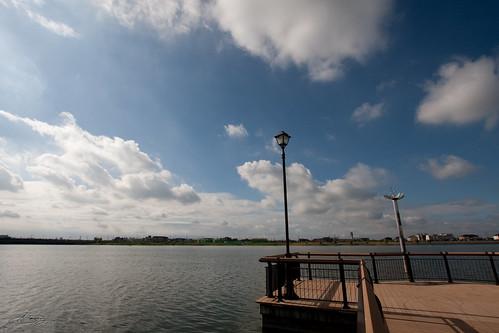 カヌー桟橋から湖面を望む