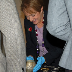 Margaret Hodge with the Vale of York Hoard