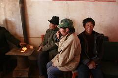 Poor farmers from Min Qin oasis (Jordan Pouille JOURNALIST) Tags: china sand desert farmers oasis sandstorm climatechange hui peasants chine tengger environnement copenhague desertification minqin badainjaran changementclimatique