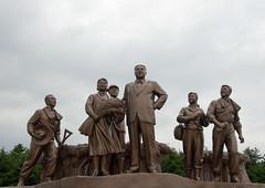 Kim Il Sung statue (Eric Lafforgue) Tags: statue countryside war asia korea v asie coree northkorea dprk paysan coreadelnorte kimilsung 2510 nordkorea    coreadelnord   insidenorthkorea  rpdc  kimjongun coreiadonorte
