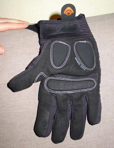 #317 glove face