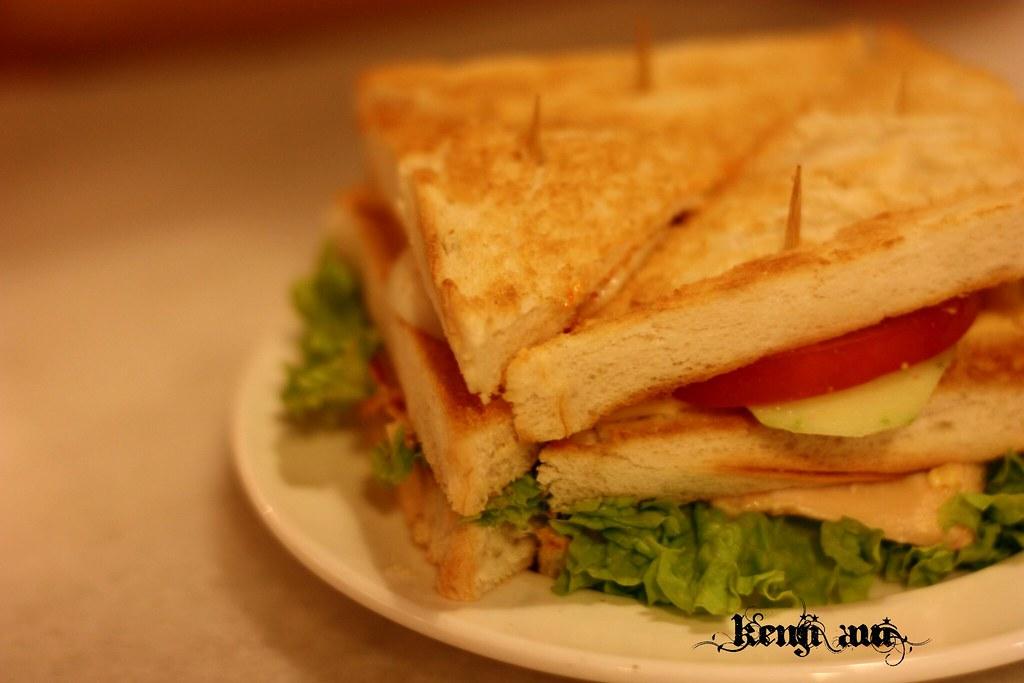 鶏肉のサンドイッチ