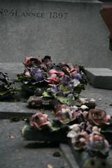 2009-11-21-PARIS-PereLachaiseCemeterie78