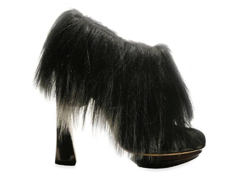 Nicholas Kirkwood hair pump 1