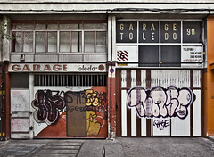 (Mario Izquierdo) Tags: madrid street door city windows espaa wall pared calle spain garage ciudad ventanas toledo colectivo collective puertas movimente wwwmovimentees marioizquierdo