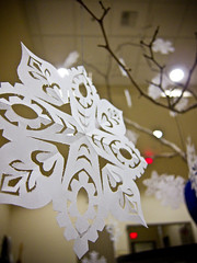 25 days of christmas (10/25) - paper snowflakes (deb1edeb) Tags: california school holiday macro work canon unitedstates group decoration orangecounty 2009 irvine universityofcaliforniairvine grouppool powershots90 25daysofchristmasphotochallenge