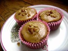 Caramel Apple Spice Cupcakes with Caramel-Penuche Frosting (wisdomlight) Tags: apple cupcakes vegan spice delicious caramel incredible frosting penuche veganomicon