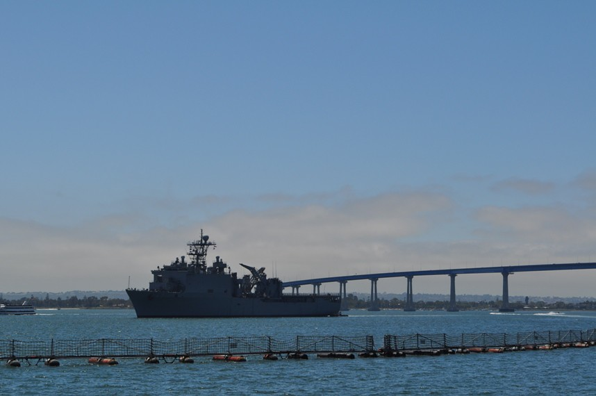 USS RUSHMORE LSD 47