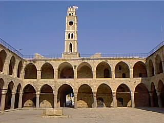 Khan al-Umdan, Acre(1)