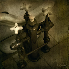 It's Time to Turn on the Water (fesign) Tags: faucet casaloma turnonthewater obramaestra