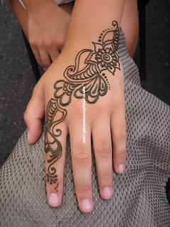Arabic-inspired hand