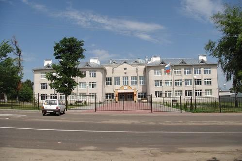Новая школа на месте старого городского сада
