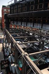 High Line_1763 (Omar Omar) Tags: newyorkcity usa newyork advertising chelsea publicidad parking billboard advertisement meatpackingdistrict letrero urbanism publicit newyorknewyork newyorkny highline urbanismo landscapearchitecture estacionamiento urbanpark usofa etatsunis paisajismo lamerique parqueurbano