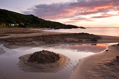 Coldingham Bay (David Kendal) Tags: sunrise dawn beachhuts sandybeach coldingham stabbs berwickshire scottishcoast coldinghambay scottishcoastline ruinedsandcastle