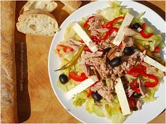 Thunfischsalat | Tuna Salad (Soupflower's Blog) Tags: food blog salad mediterranean cucumber tomatoes gurke fisch gourmet onions lettuce olives oil vinegar peppers tuna salat paprika tomaten mediterran zwiebel l essig oliven eisbergsalat kapern thunfischsalat soupflower beyazpeynir wwwsoupflowercomblog weisskse