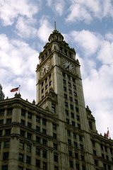 Wrigley Building (dangaken) Tags: chicago chicagoil illinois midwest usa unitedstates windycity cityofbroadshoulders chitown canon gaken dangaken dgaken wwwflickrcomdgaken photobydangaken