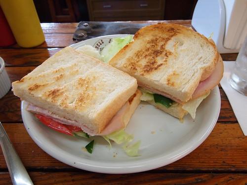 ターキーサンドイッチ (Turkey ham sandwich)